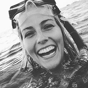 taylor-neisen-shark-diver.JPG