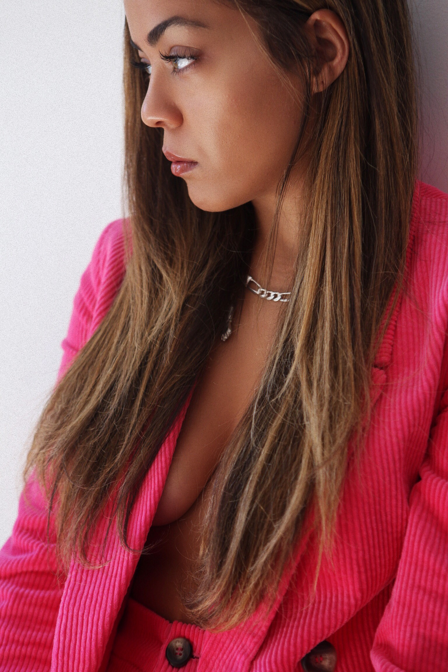 Because who doesn't love a power suit, a pink one that.  Suit by:  Zara   Photos by:  Valine Brana