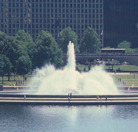 Point State Park Fountain.jpg