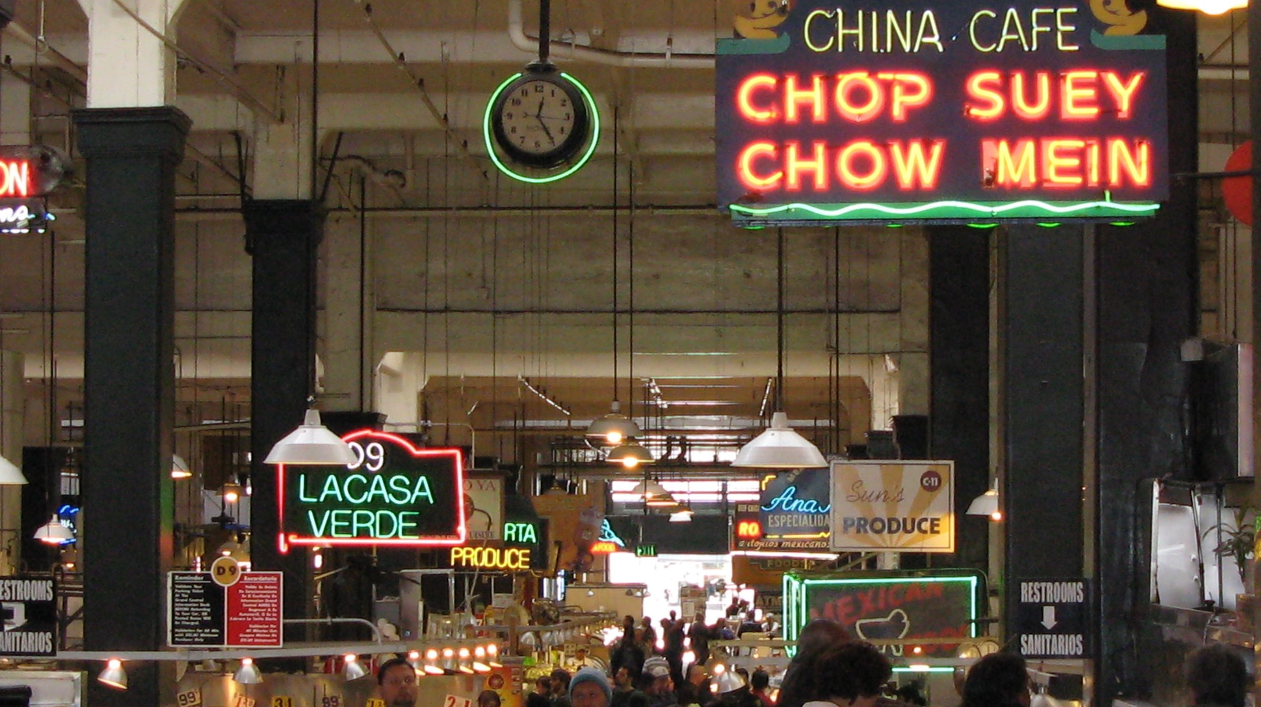 great food - LA is home to cool indoor and outdoor markets, and delicious restaurants.