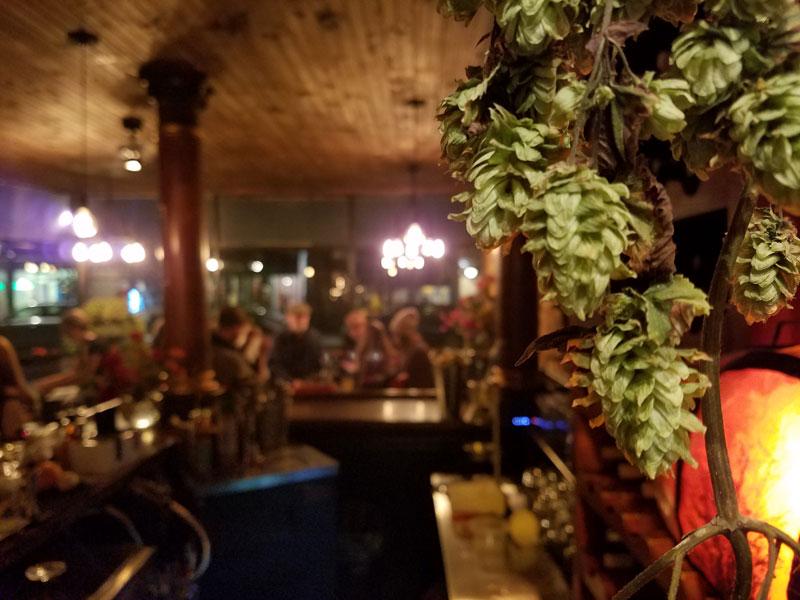 the-peoples-pub-02.jpg