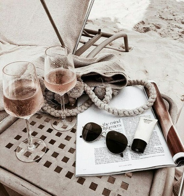 Dreaming of: the beach with rosè & a good book ⠀ Reality: staring at a computer screen at work :)