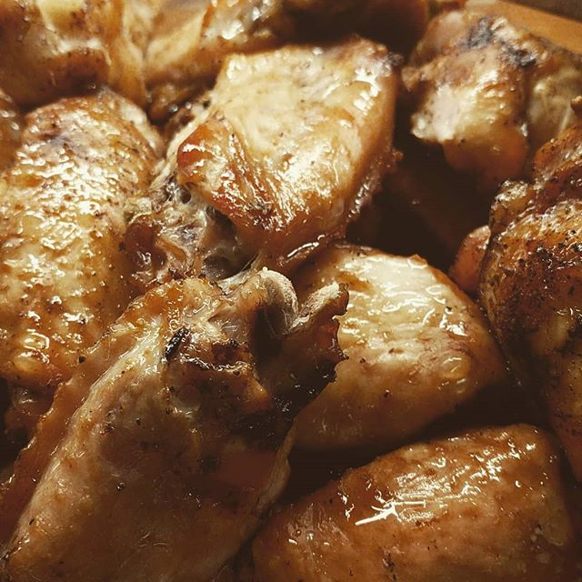 Freshly smoked chicken wings! Late night shift tonight so prepping and cleaning all the things. . . . .  #flambethatdish #cooking #food #foodporn #feedfeed @thefeedfeed #passion #foodphotography #instafood #dailyfoodfeed #lifeandthyme #foodfluffer #foodie #foodpics #f52grams #foodblogfeed @foodblogfeed #foodblog #blog #procrastibaking #denverblogger #denverbloggersclub #keto #lchf #ketodiet #ketosnack #denver #denverfoodie