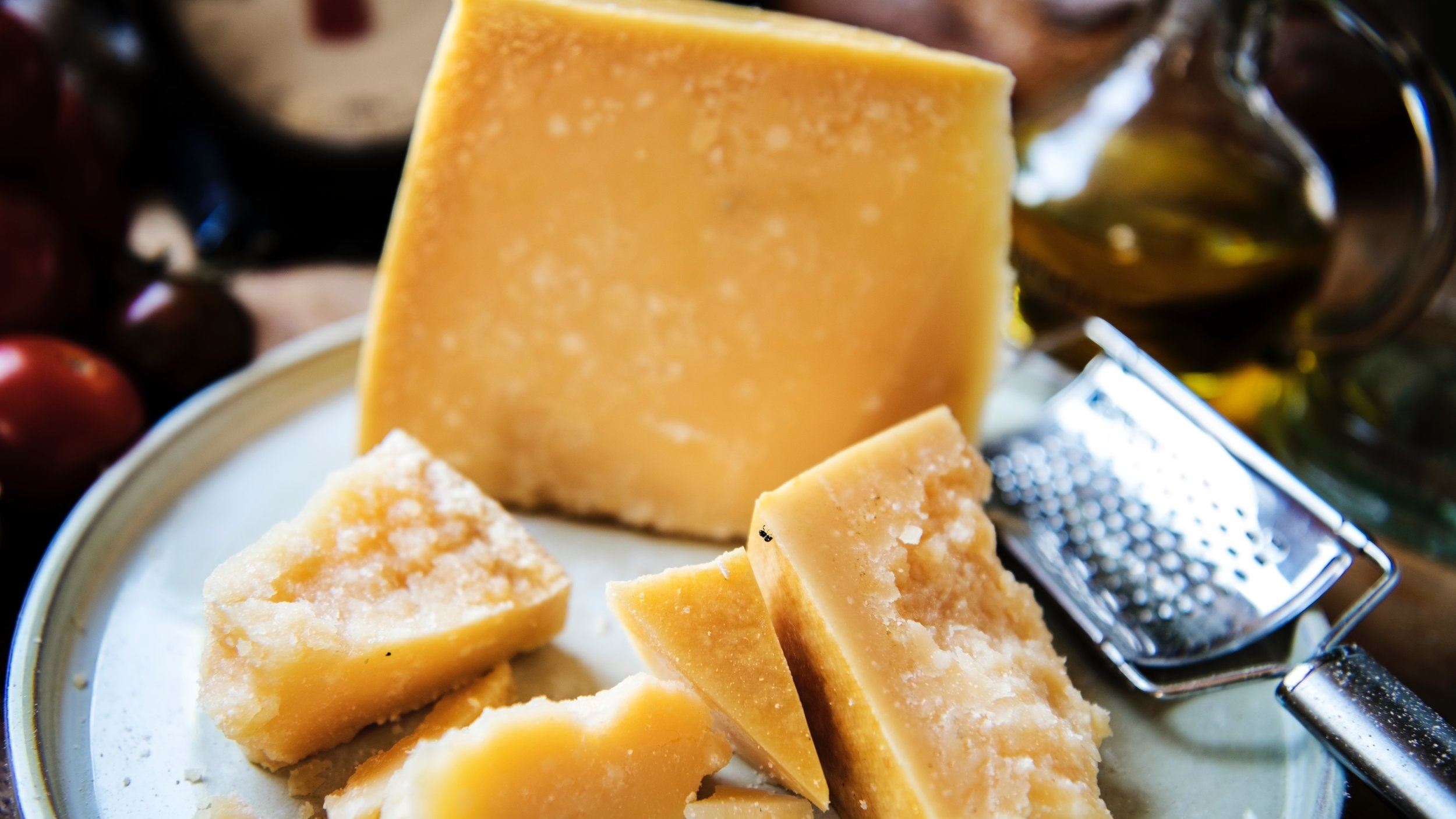 cheese-close-up-dairy-product-1435184.jpg