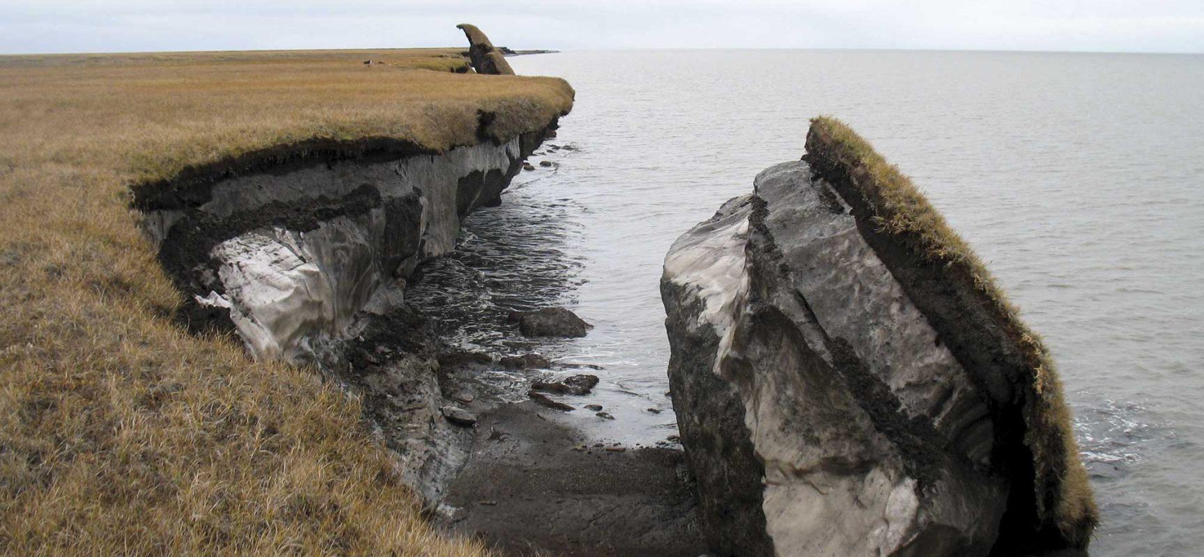 "Photo:      US Geological Survey   , ""   Climate Impacts to Arctic Coasts   ."" Public Domain via   Flickr   ."