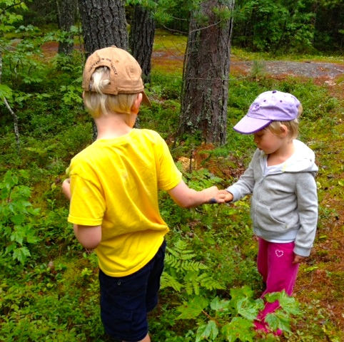 Sammy and Lynne picking blueberries.JPG