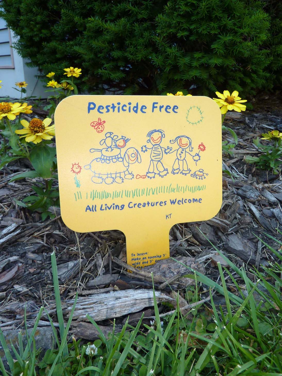 Pesticide Free sign from Oak Park. All living creatures welcome.