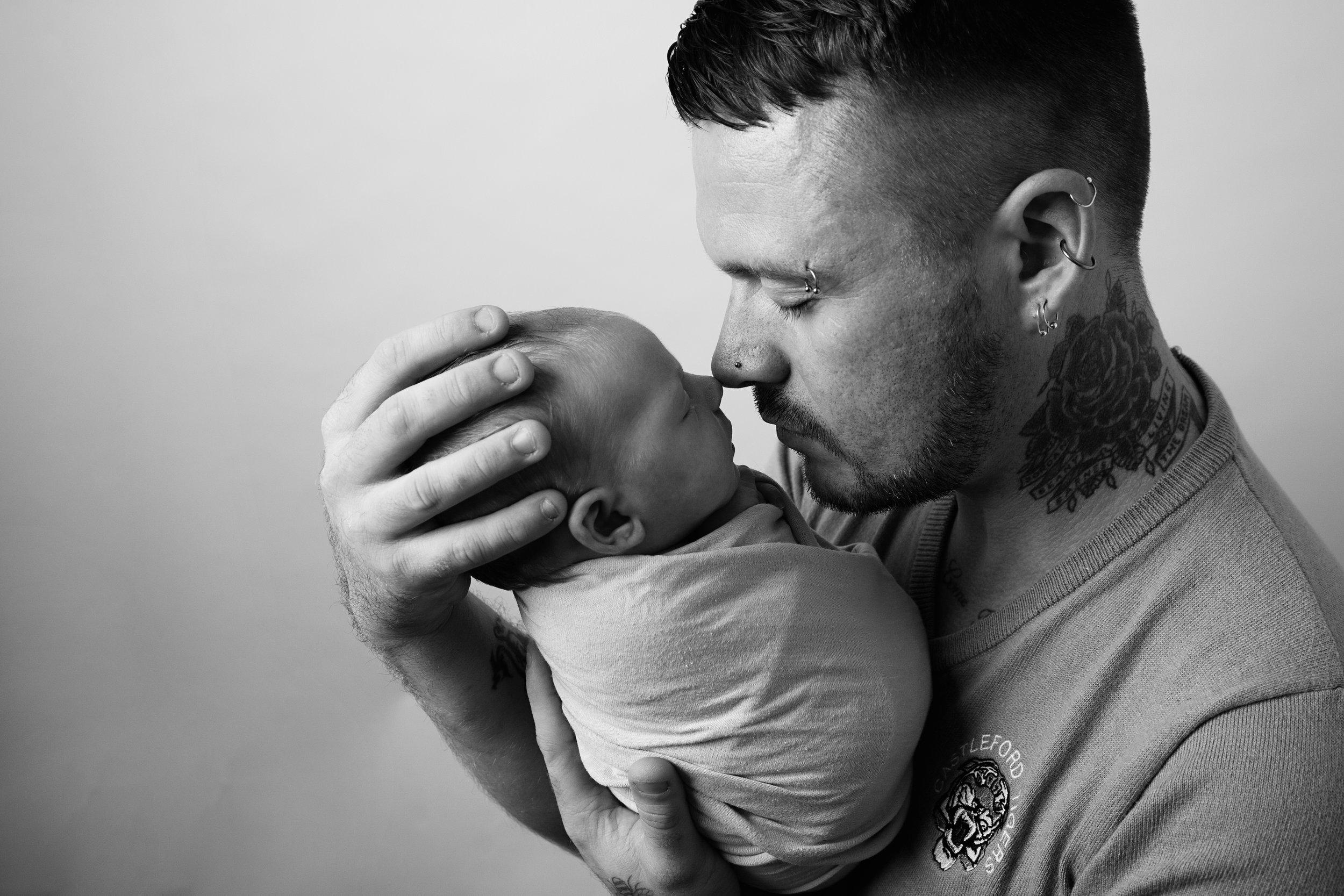Newborn Photography Shrewsbury, Shropshire, Parent Photography, Daddy Daughter, black and white