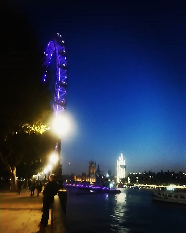 The London Eye and Big Ben. Visit www.hialegal.com to find out about our opportunities 👁‍🗨 🏴󠁧󠁢󠁥󠁮󠁧󠁿 💦 #hialegal #lawrecruitment #legalrecruitment #law #uklaw #london #sights #instadaily #bestoftheday #instapic #picoftheday #picture #thelondoneye #toweroflondon #westminster #housesofparliament #thames #thamesRiver #instalove #citylife #citysights #londoner #londonlife #londonlawyers #southbank #londonphoto #londonCity #instalondon #instanight