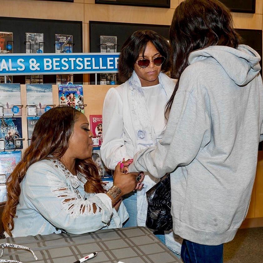 NJ Book Signing - 8 of 22.jpg
