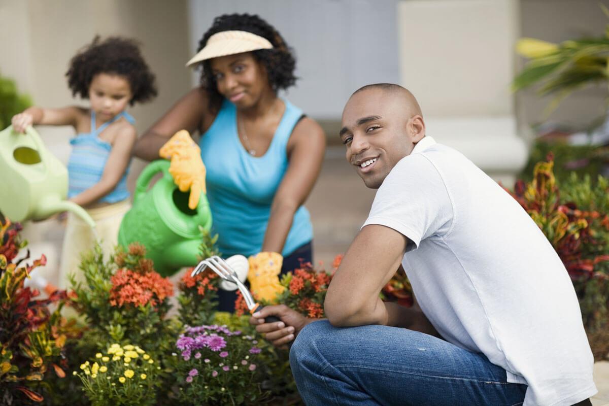 couple_gardening_as68456284.jpg