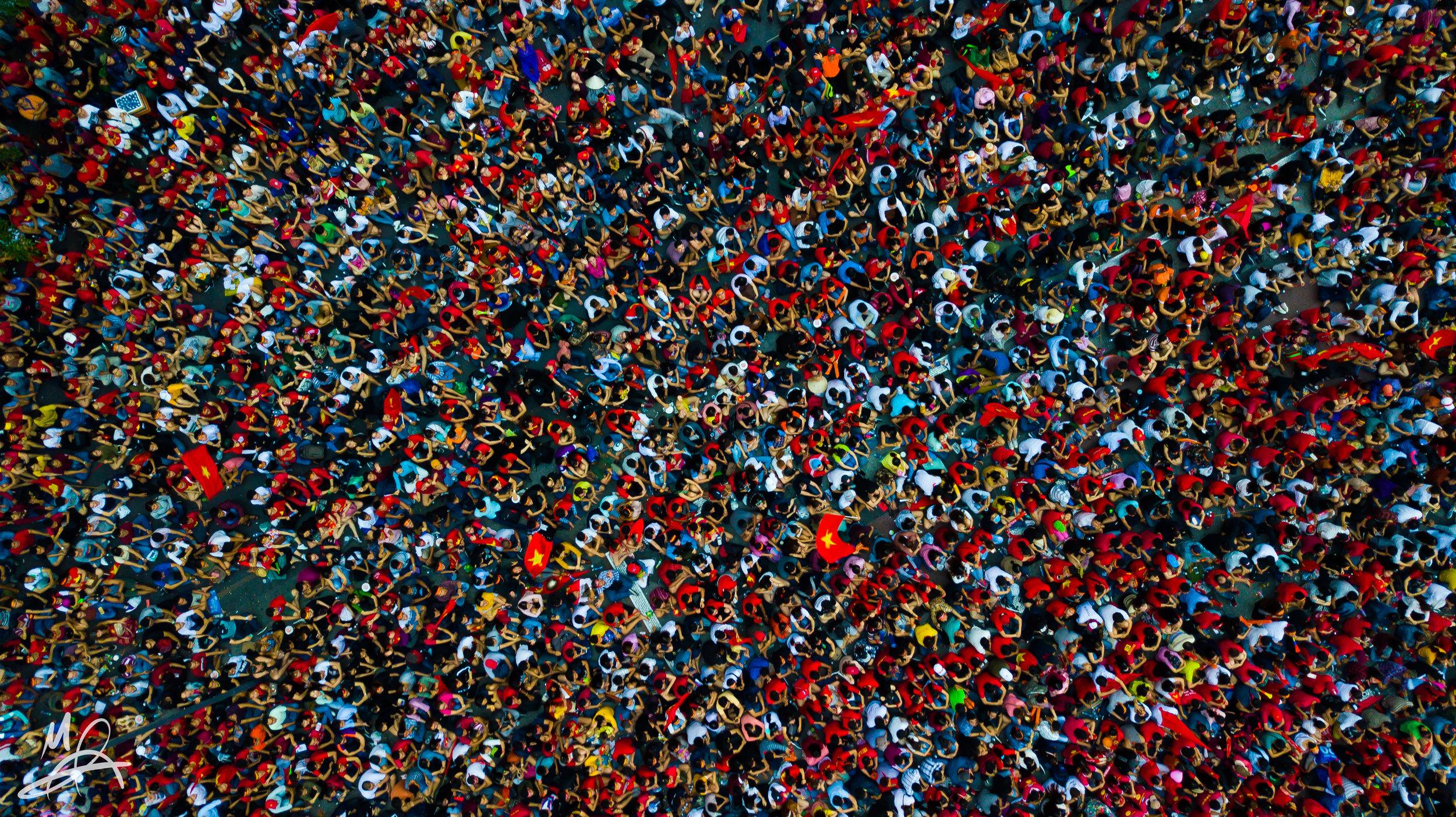 Nguyen Hue Crowds 1/2