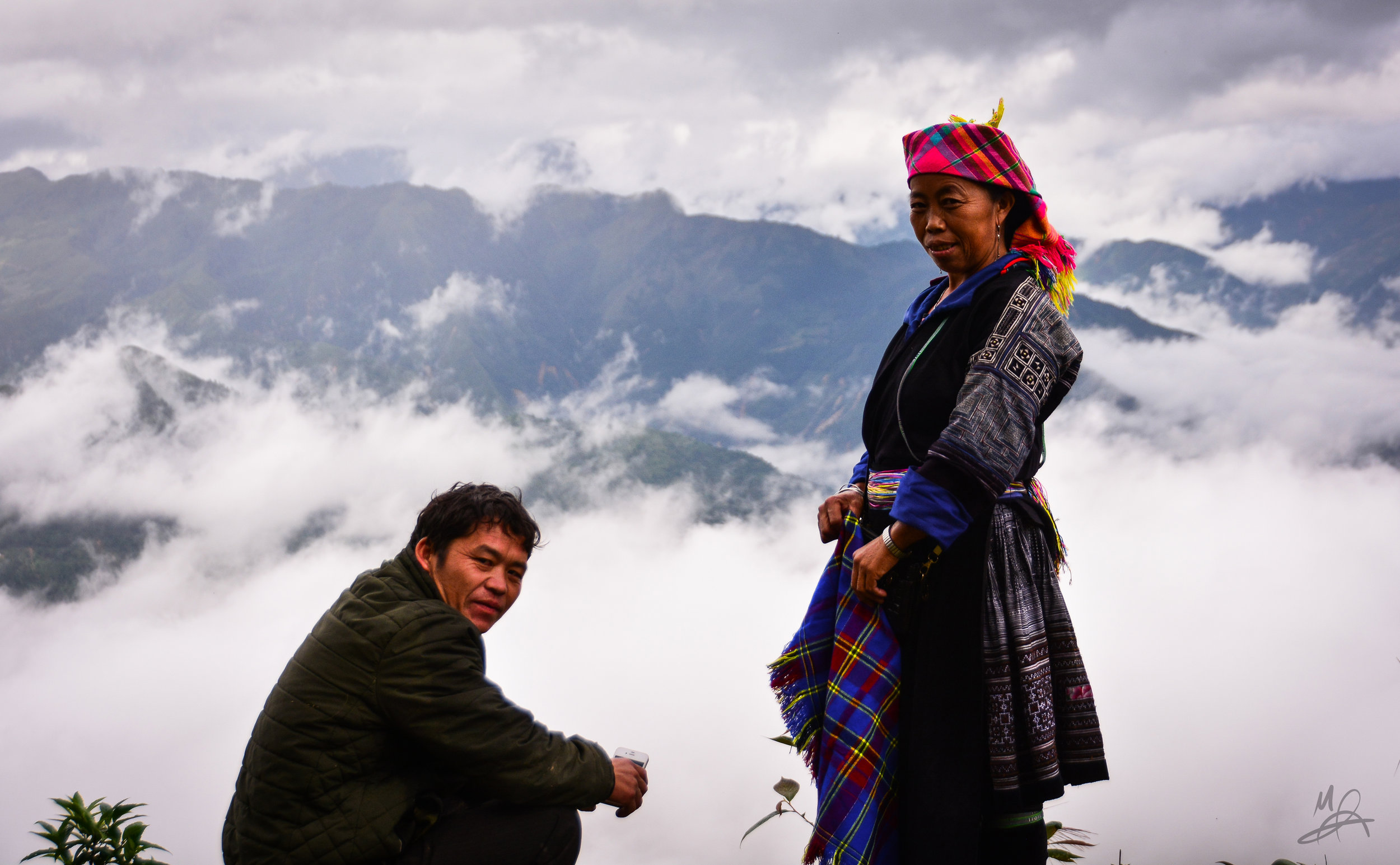 A woman, a man and the mountains