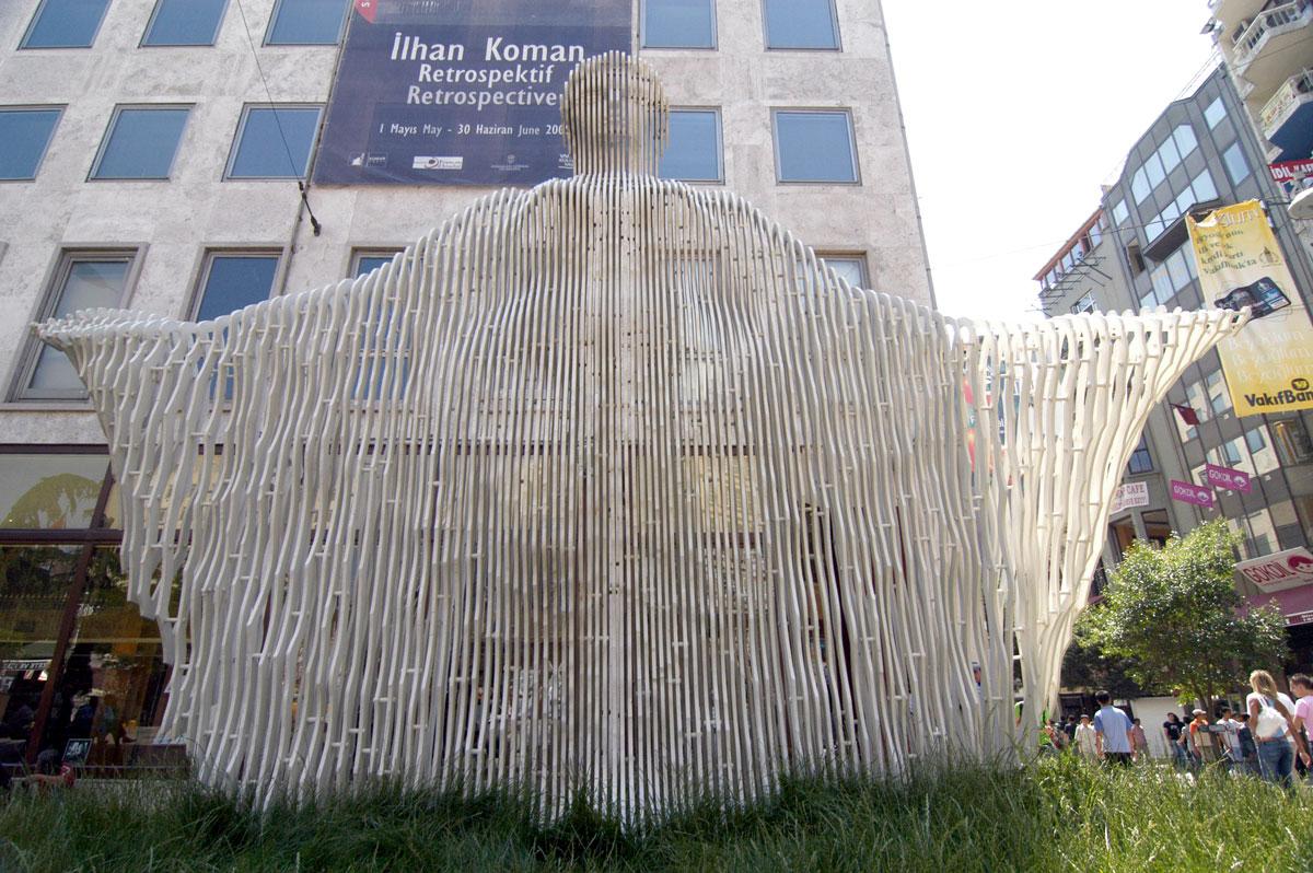 Akdeniz_Heykeli_ilhan_koman_beyoglu_001.jpg
