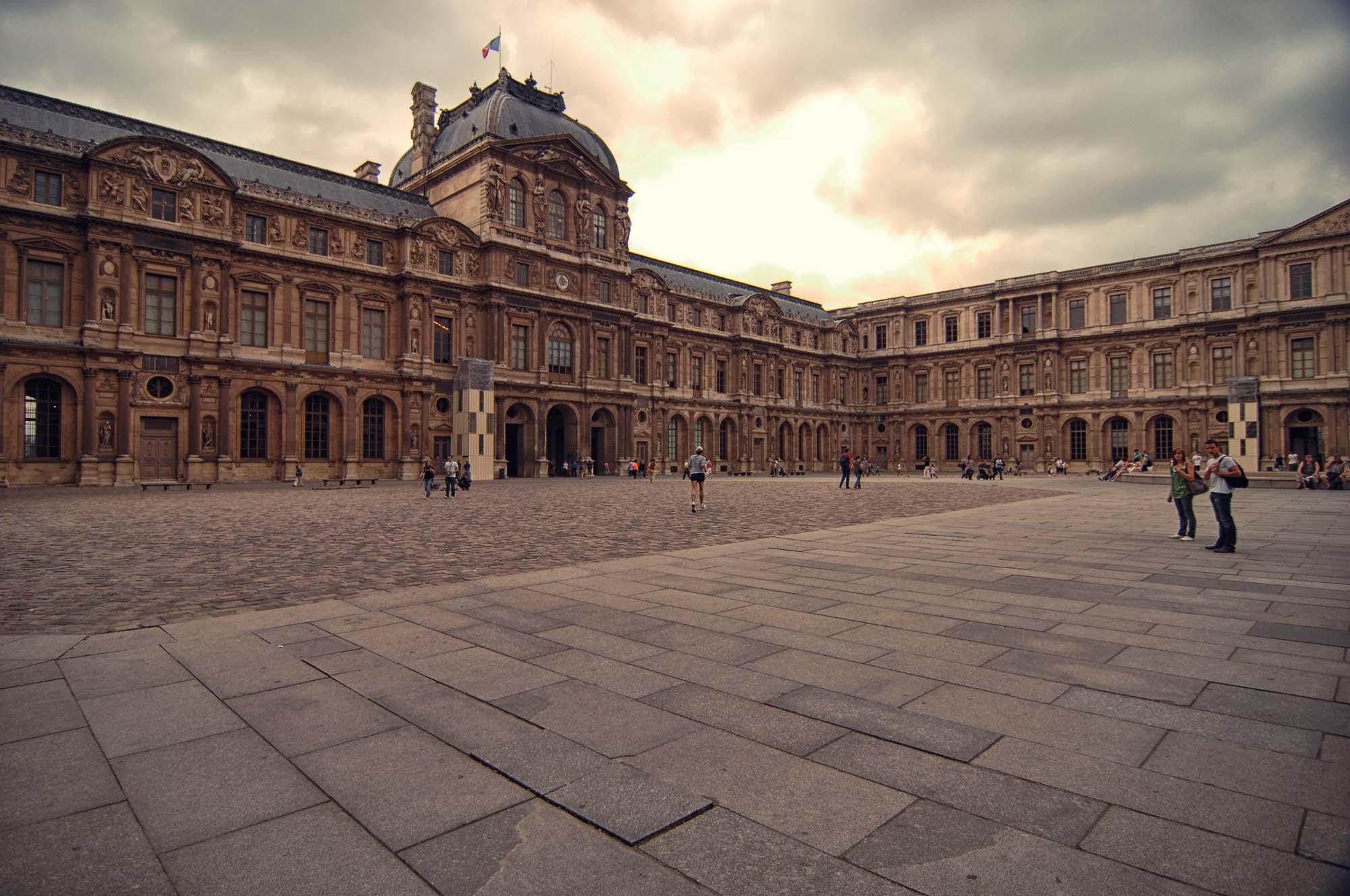 Louvre_>Museum_Paris_France_00002.jpg