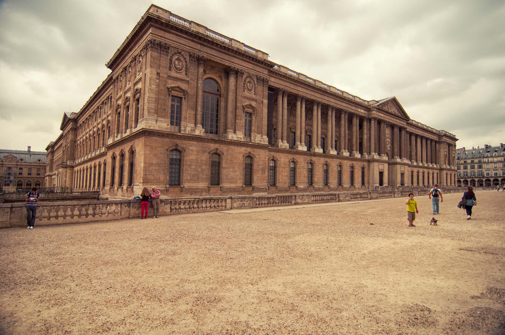 Louvre_>Museum_Paris_France_00001.jpg