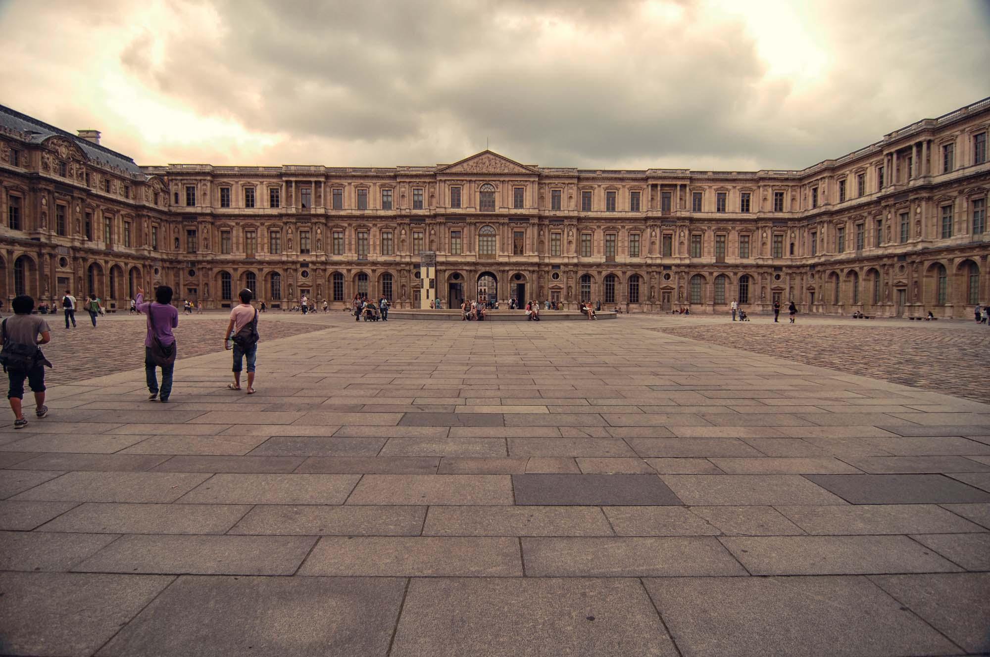 Louvre_>Museum_Paris_France_00003.jpg