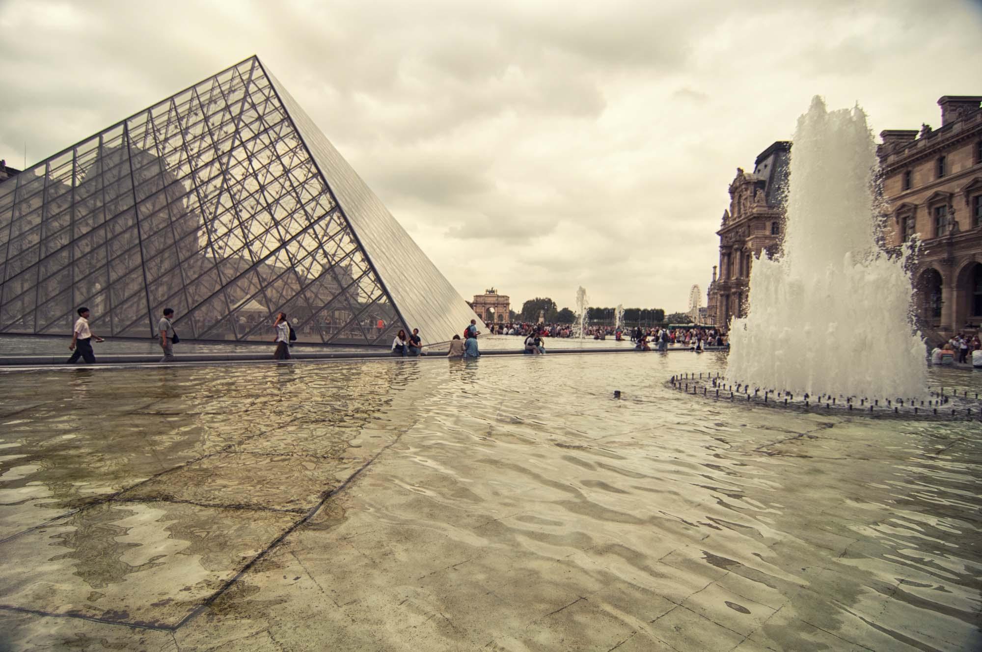 Louvre_>Museum_Paris_France_00006.jpg