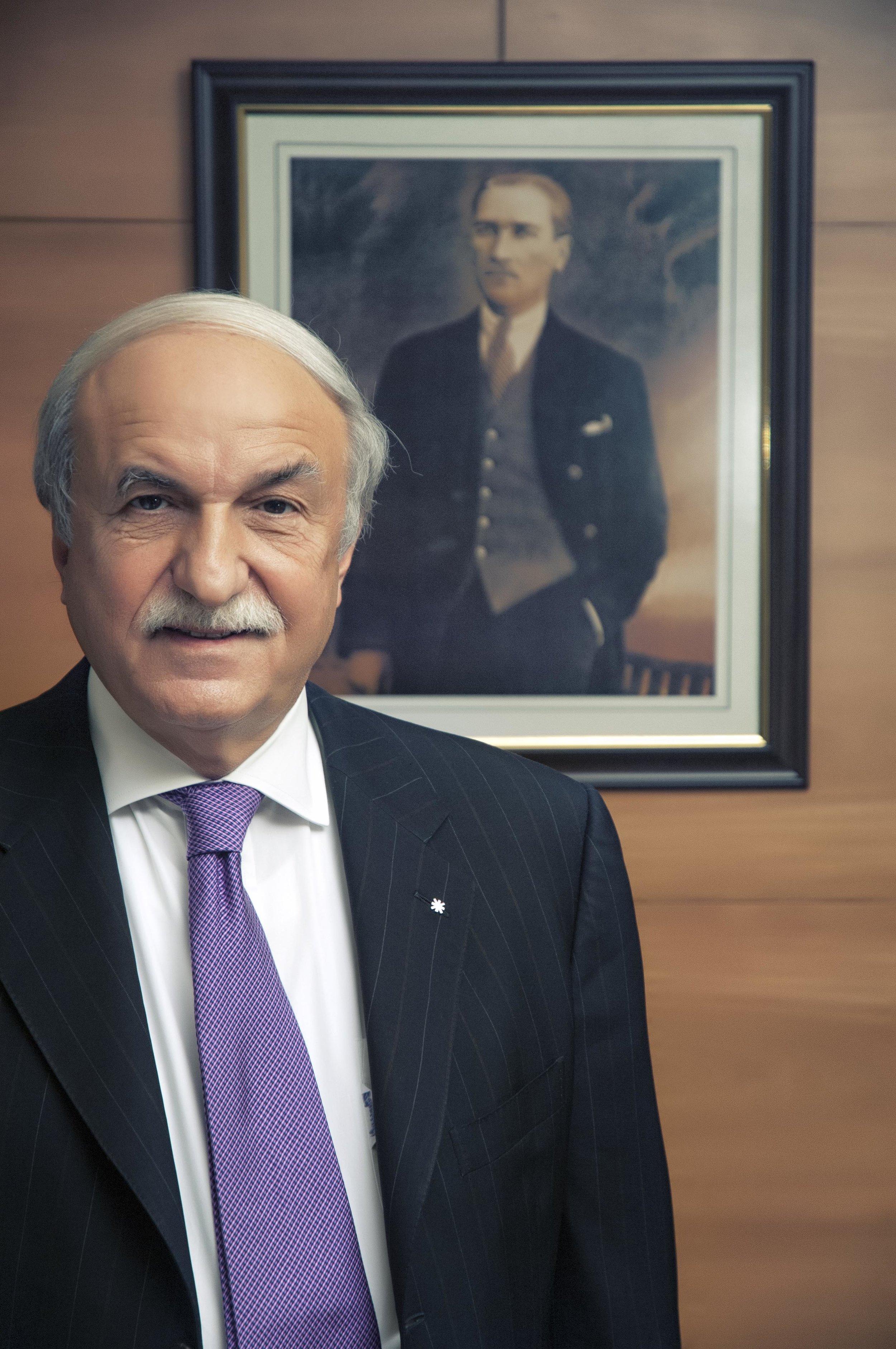 Husnu_Ozyegin_Finansbank_Ust_Yonetim_.jpg