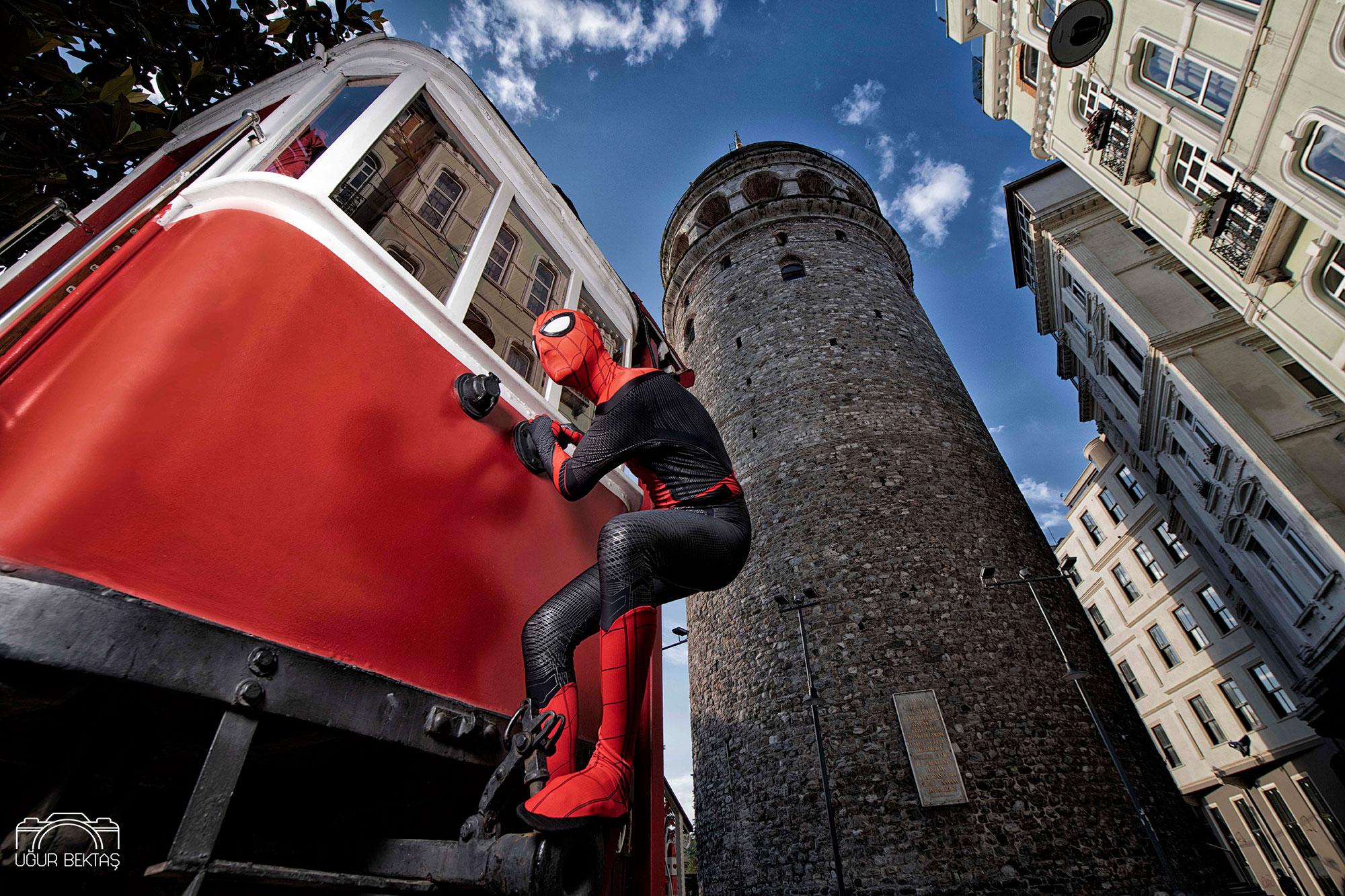 Örümcek Adam İstanbul'da -