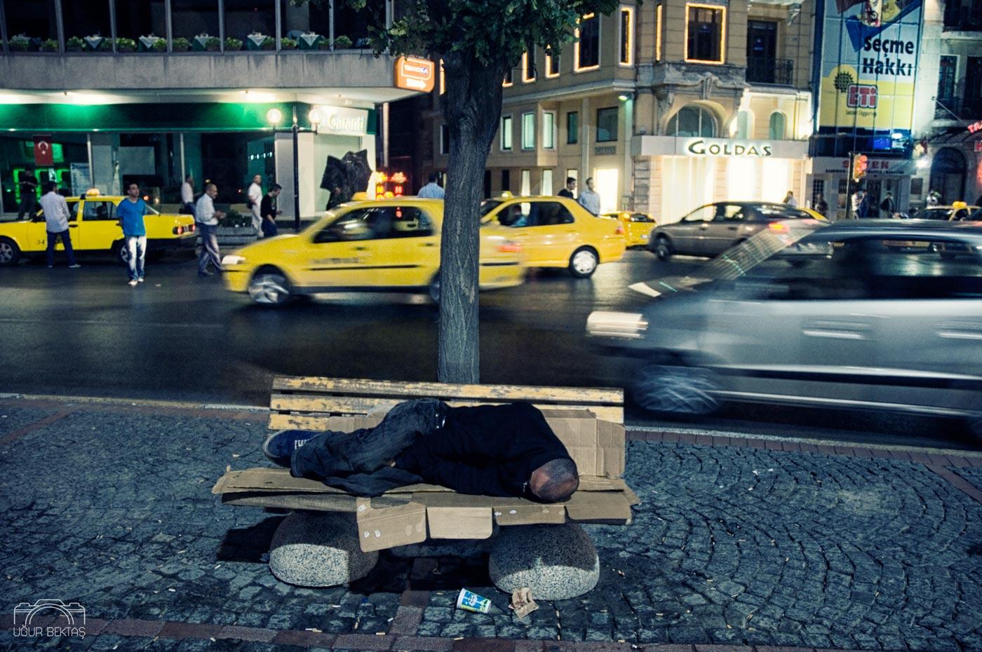Uyuyanlar_Fotograf_Projeleri_Ugur_Bektas_0019.jpg