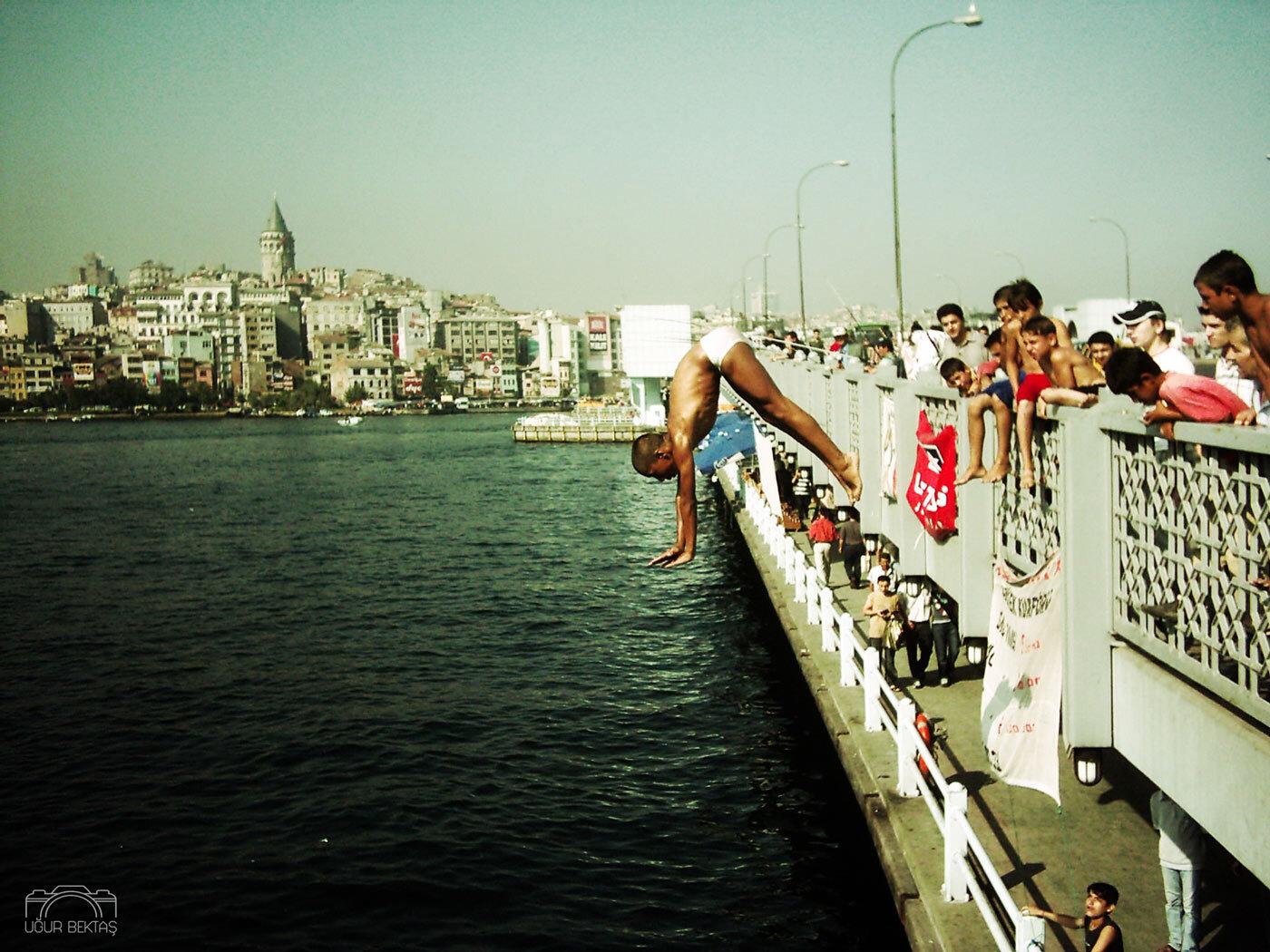 istanbul_galata_koprusu_manzara_cocuklar_jpg.jpg