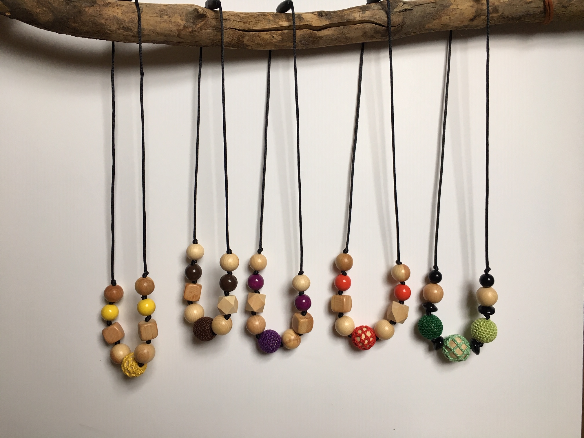Breastfeeding necklaces - By Petit Pommier Creations