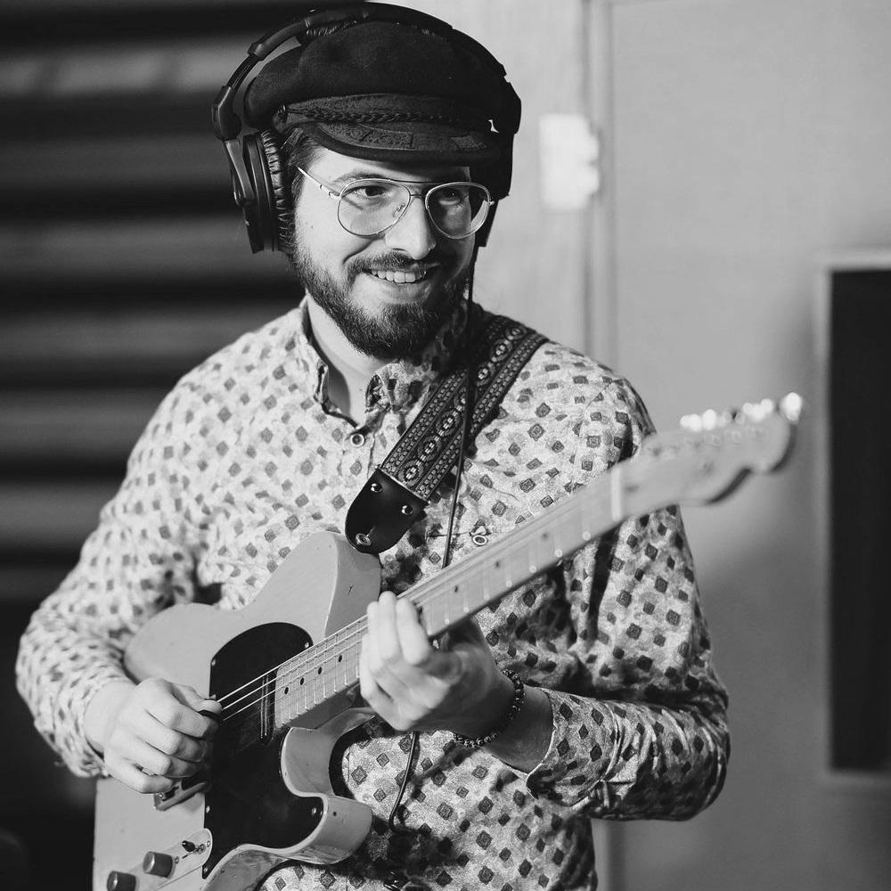 Marc-Olivier Vézina - Compositor / guitarra