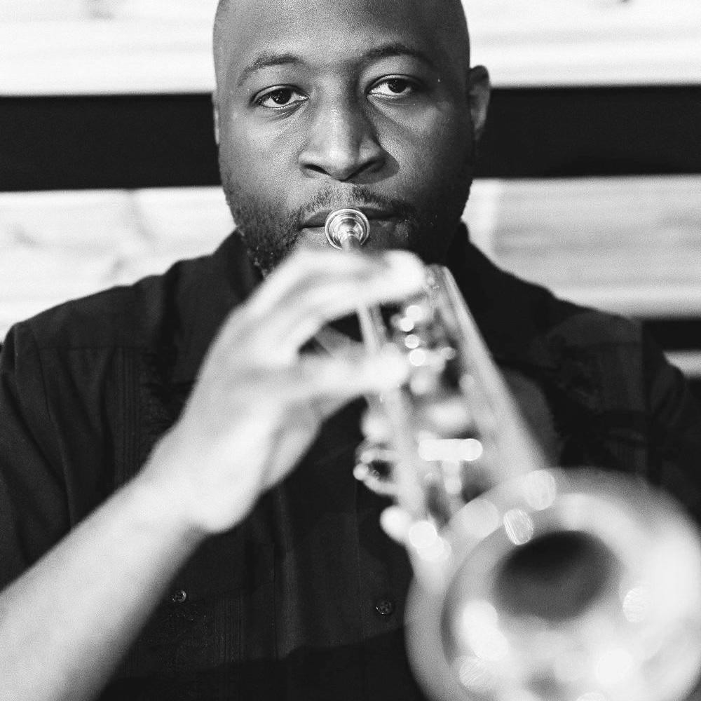 Jason Selman - Escritora / trompeta