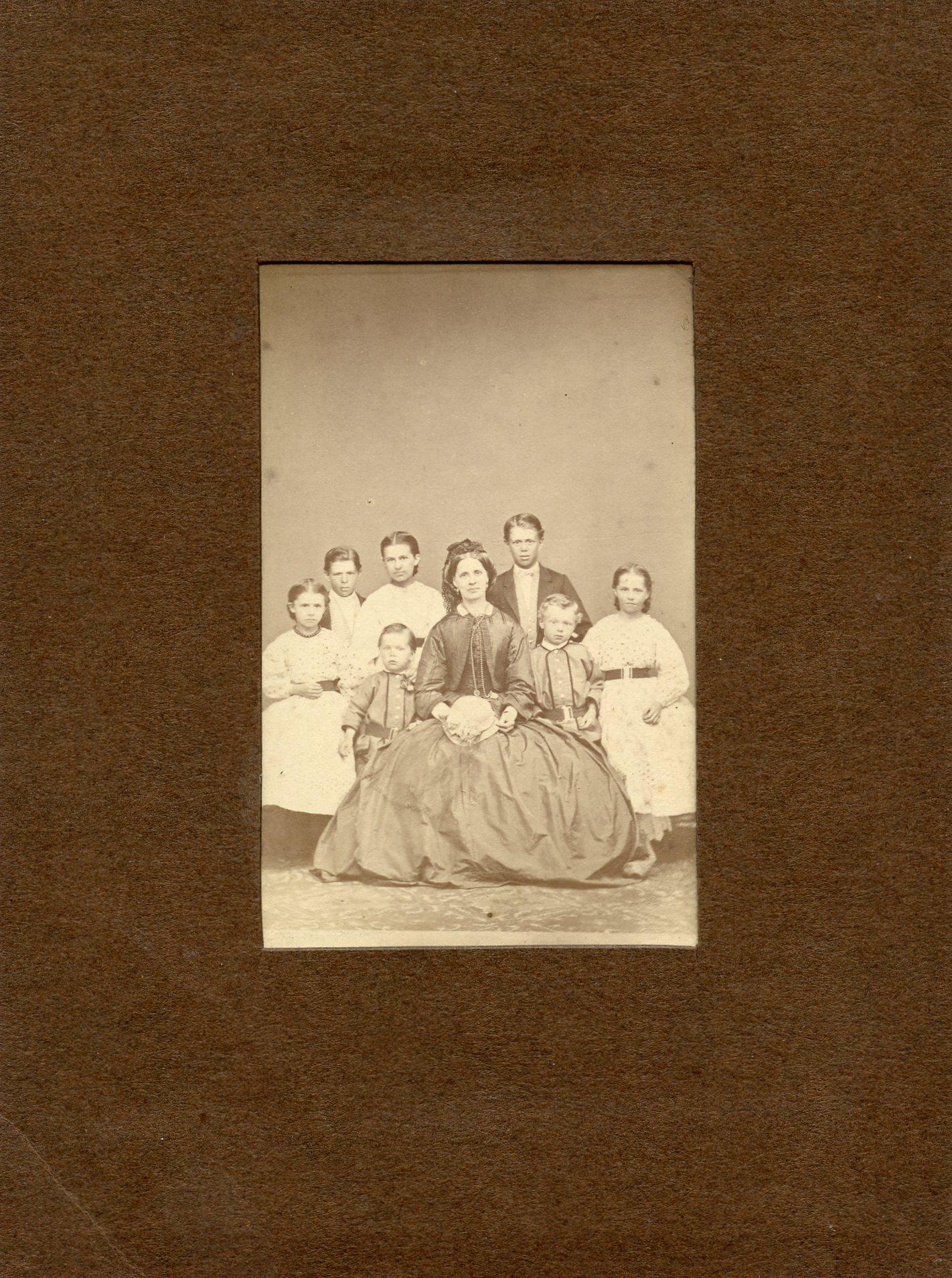 Maria Cramér med sina barn