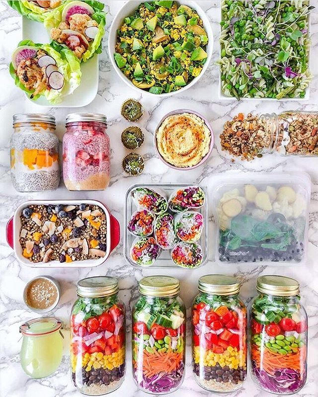 Can meal prep help you if you're an emotional eater? ⠀ ⠀ Listen, I'm all for meal prepping if it's something you want to do, but I don't think one *has* to meal prep to eat well. I also know it's totally possible to prep all your meals and STILL self-sabotage with food (hello impulsive cookie binge after a nice delicious salad). ⠀ ⠀ Yes, planning and prepping nourishing meals can help you stay on track with your nutrition, but if you're still having issues with cravings and the desire to emotionally eat, you need to look at the thought patterns behind those tendencies, not just your food choices. ⠀ ⠀ I'm curious, do you struggle with cravings and emotional eating? Do you find meal prepping to help? ⠀ ⠀ ⠀ 📸: @theplantedone