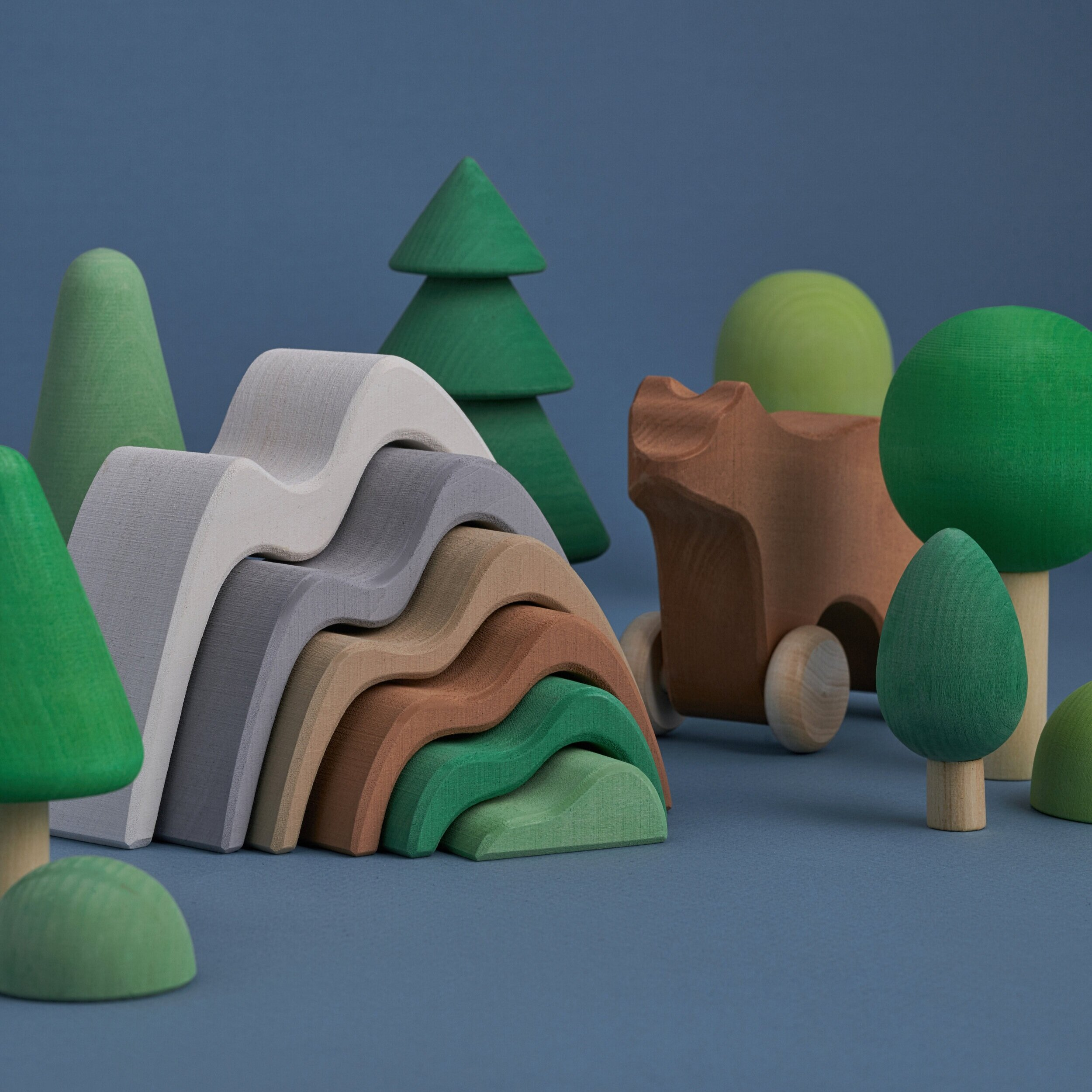 Raduga Grez - Handmade - Beautiful handmade wooden toys, made in the Mountain regions of Moscow from sustainable Lime Wood and coloured with natural, safe stains. left unvarnished for an easy to stack natural finish.<<< Take a look at our beautiful range here