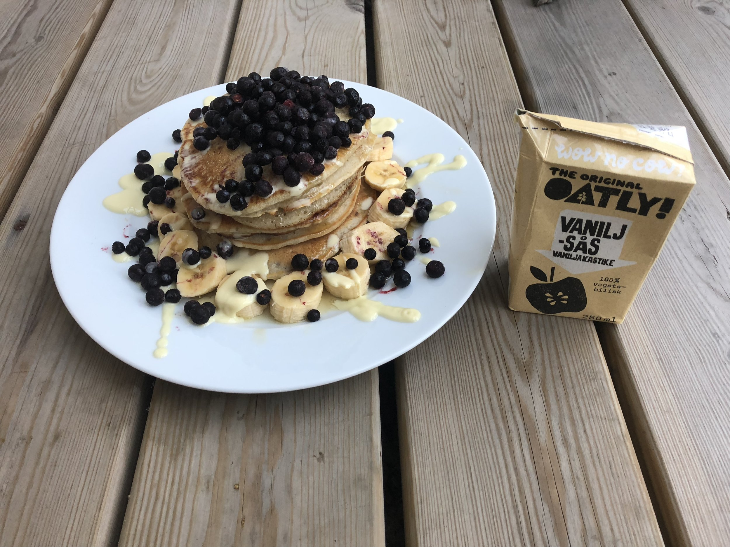 Amazingly fluffy vegan pancakes
