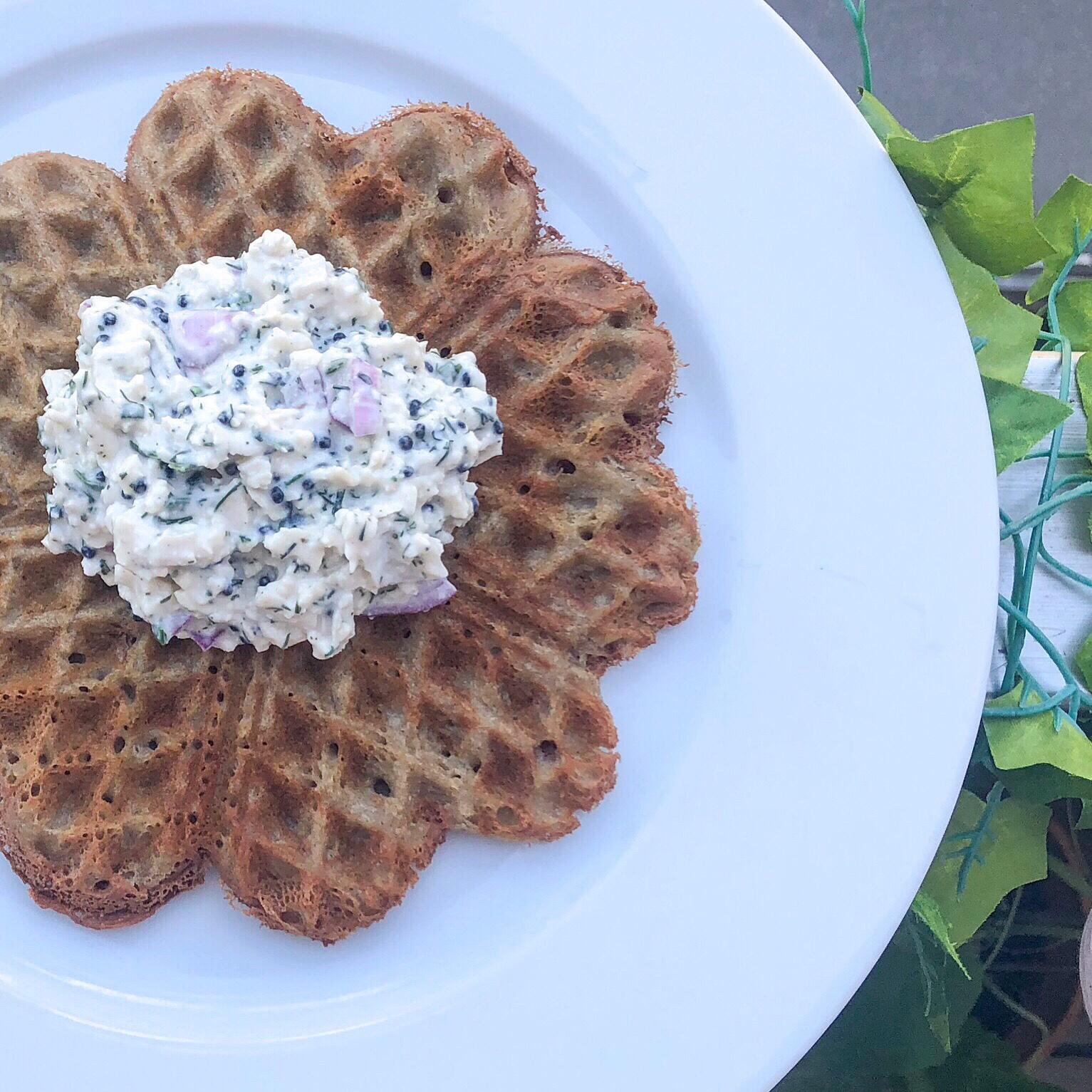 worldofveganita.com quinoa waffles with Skagen topping: