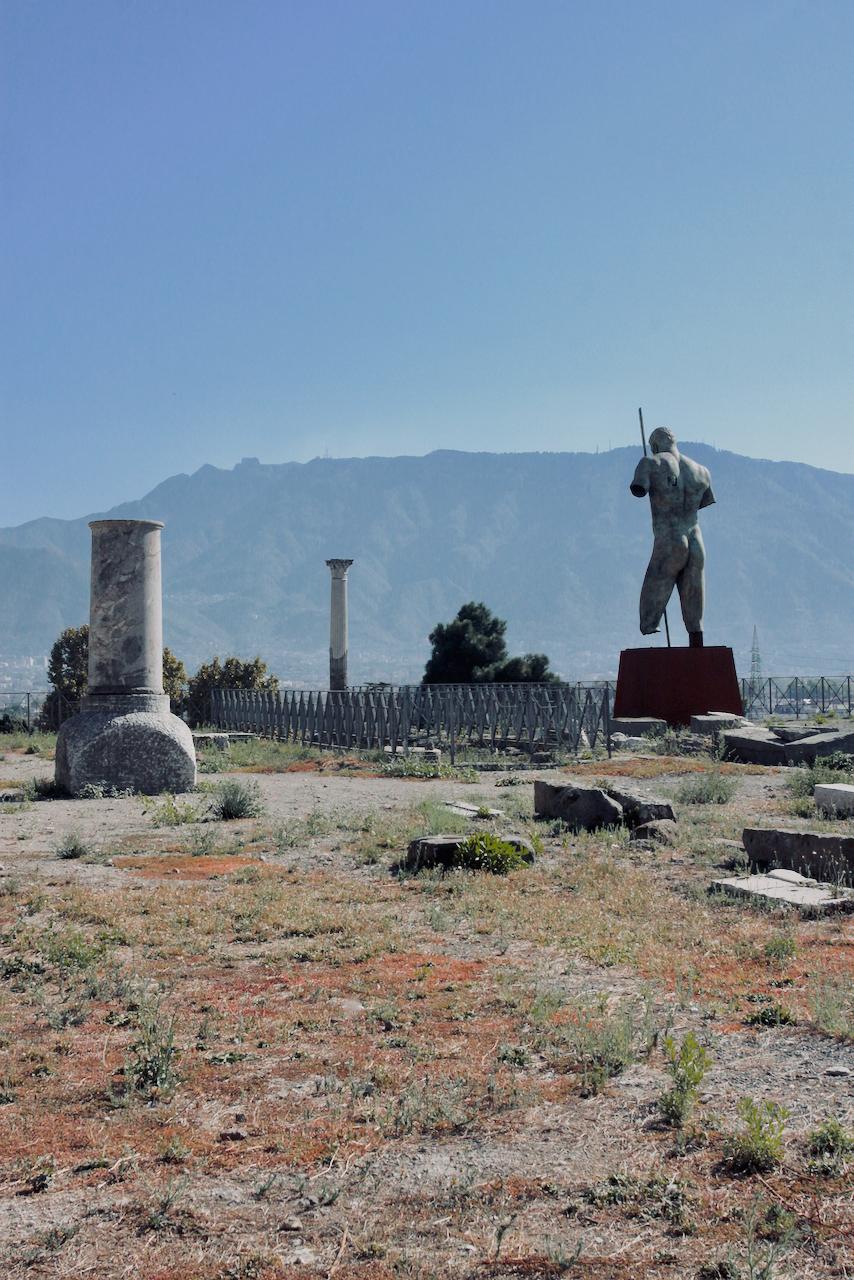 Pompeii statue.png