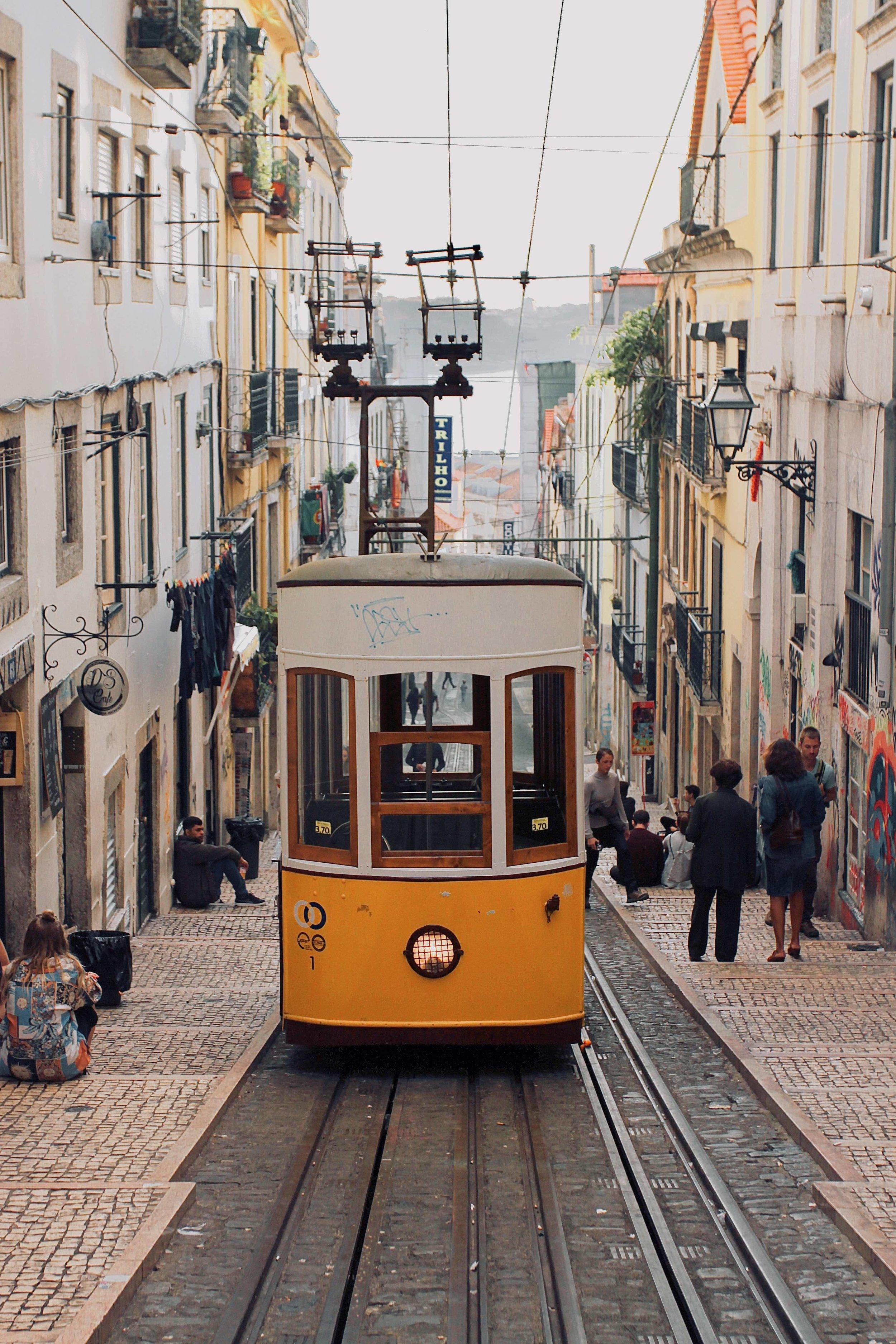Unique experiences over 2 days in Lisbon