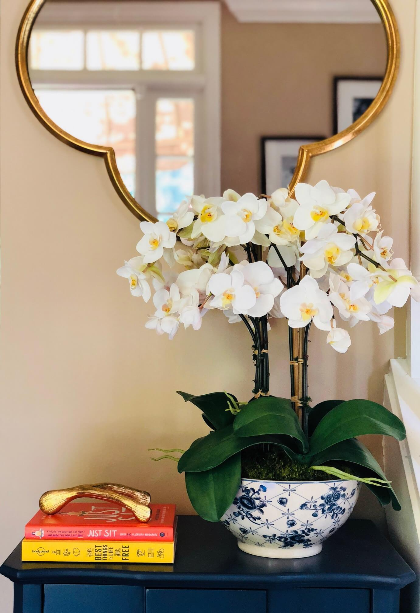 decor-by-demi-elements-for-decorating-a-small-entryway.jpg
