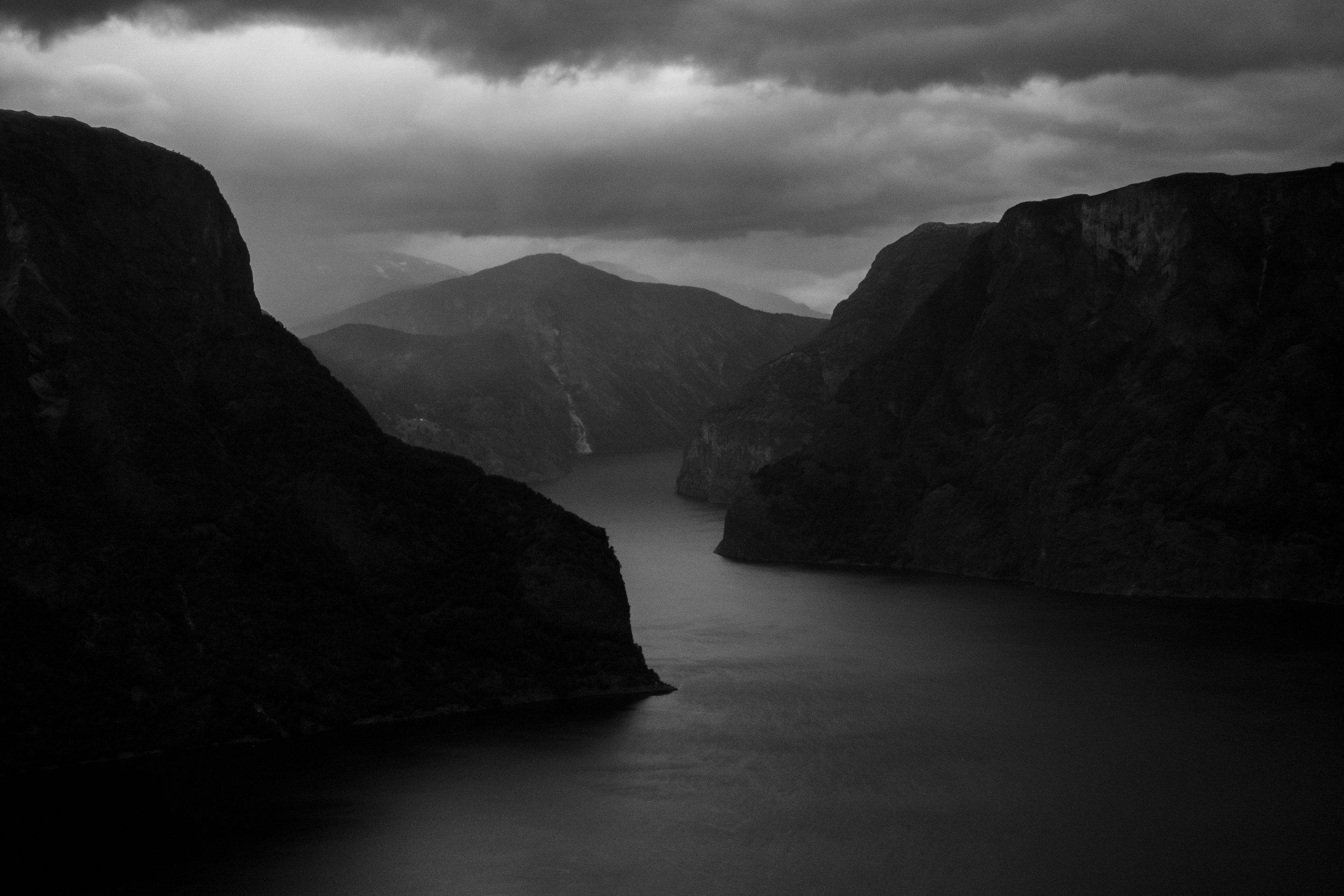 美夜寝 - The photography of Bjørne Hoff