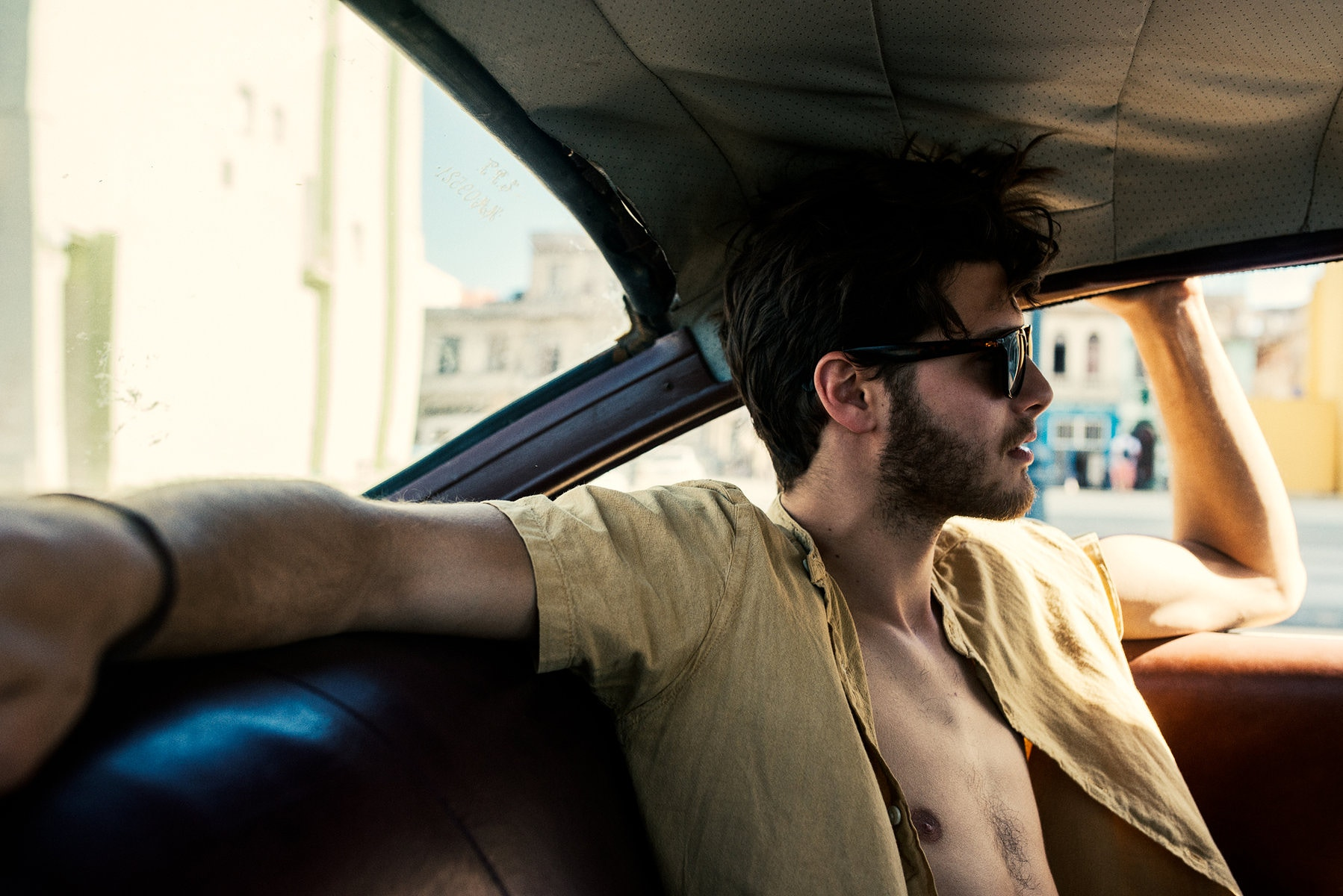matthew-jones-lifestyle-eyewear-shot-in-havana-cuba-2029822-2278326.jpg