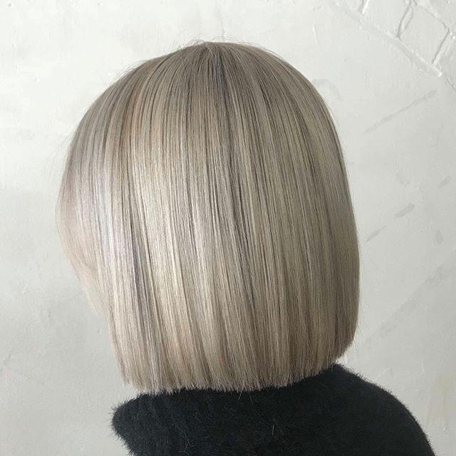Nothing better than fresh hair before the weekend! 😍🙌🏼 #redken #shadeseq #flashlift #blonde #fresh #love
