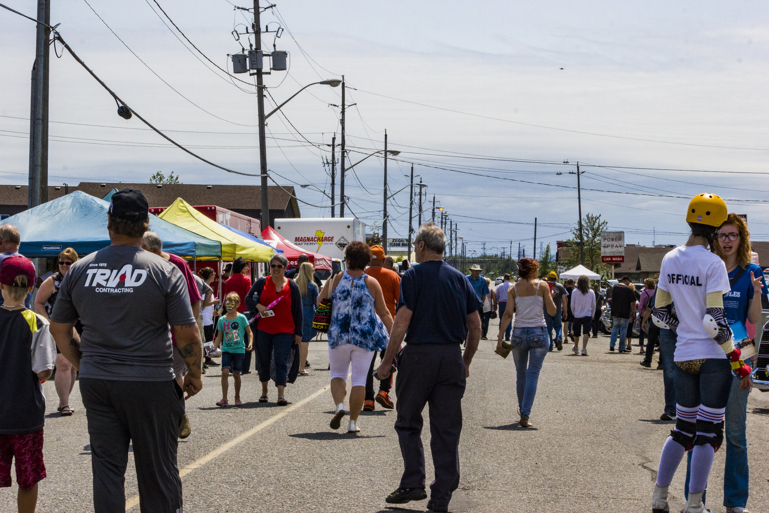 Crowds at Fat Guys 2017 Car Show