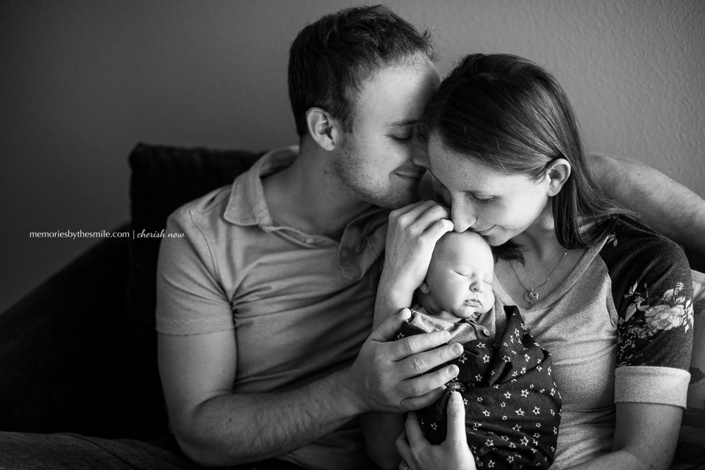 newborn-baby-with-mom-dad.jpg