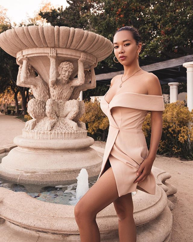 Art of eye contact.  Still learning how to master this 🥰 #crueltyfreefashion #editorials #gardenvibes . . . . #vintagevibes #mybeigelife #editorialstyle #neutrals #nbd #fashioneditorials #veganfashion #mystylediary #mystyle #mylook #styleoftheday #travelstyle #outfitdetails #personalstylehunt #dailystylehunt #ethicalclothing #revolvearoundtheworld #beverlyhills #gardens #netaporter #theedit