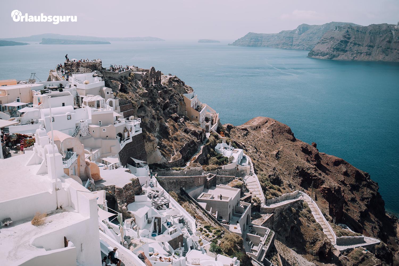 7 Tage auf Kreta - Auf nach Griechenland!Gewinne 7 Nächte auf Kreta für 2 Personen inkl. Flug — gesponsort von unserem Partner Urlaubsguru.at! Zusätzlich haben wir eine Bootsfahrt nach Santorini für dich und deine Begleitung gebucht, um die berühmten weißen Häuser zu bewundern und wunderschöne Landschaften zu erkunden.