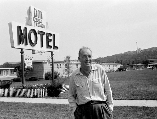 """Stationary Trivialities"": Contrasting Representations of the American Motel in Vladimir Nabokov and Jack Kerouac - — In Studies in Mobilities, Literature, and Culture, Marian Aguiar et al. (Eds): Mobilities, Literature, Culture, Palgrave Macmillan, October 2019"