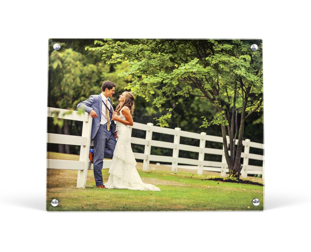 h_metal_acrylicposts_wedding.jpg