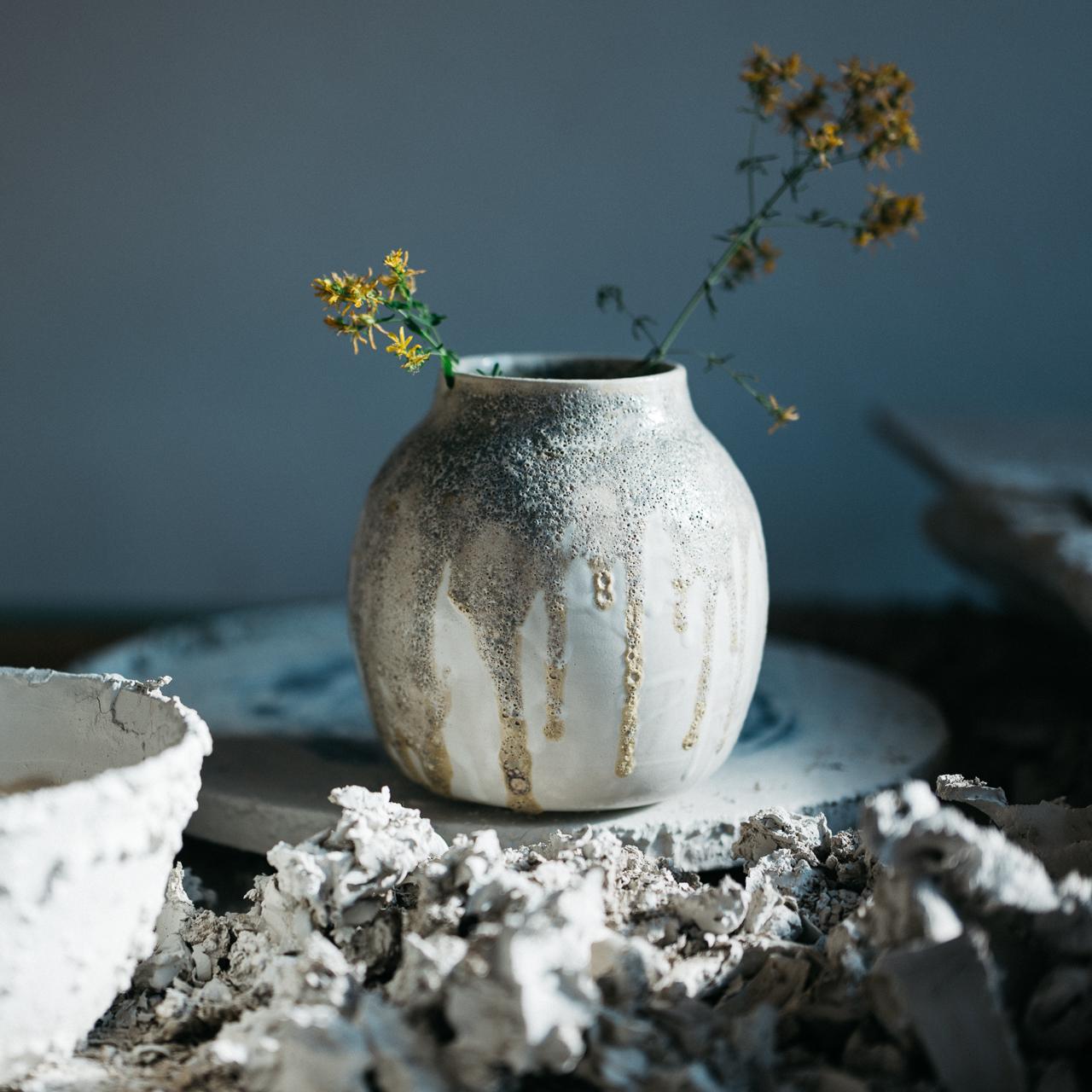 vasewithflowers.jpg