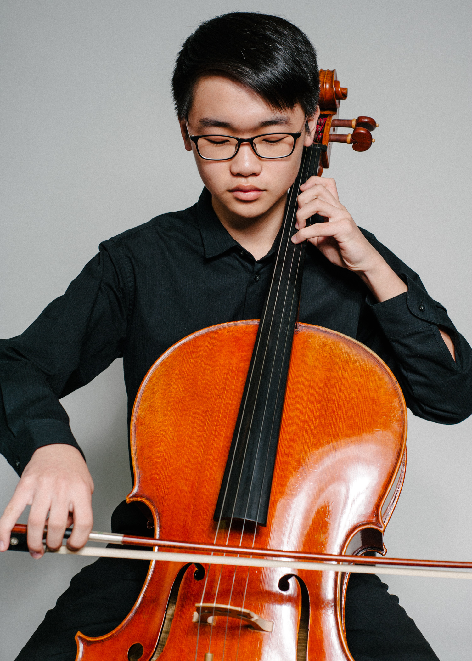 WUJIN KIM - Wujin Kim, 17, currently studies cello under Clara Minhye Kim and is coached in chamber music by Asya Meshberg. He is currently a member of the New York Youth Symphony and served as the principal cellist of Principal Orchestra in the Norwalk Youth Symphony last year. In 2014 and 2015, Wujin was the winner of the Junior Competition and Senior Competition of the Young Artist Festival sponsored by the Norwalk Symphony Orchestra. He has also performed with the American Chamber Orchestra after winning the Concerto Competition. In 2017, Wujin was selected as a winner of the Norwalk Youth Symphony Concerto Competition and to be principal cellist of the CMEA All-State Orchestra. He has also won honorable mention in the New York Music Competition and the Norwalk Symphony Orchestra Concerto Competition.In the summer of 2018, Wujin studied with Steven Doane at the Bowdoin International Music Festival. He also has attended the Chamber Music Institute for Young Musicians and attended Elm City Chamberfest as the recipient of the Cello Scholarship in 2016. Wujin enjoys playing chamber music with his friends to support organizations such as Music for Youth, the American Cancer Society, St. Jude Children's Hospital, Grace Farm's Community Dinner, and the YMCA of Greenwich.