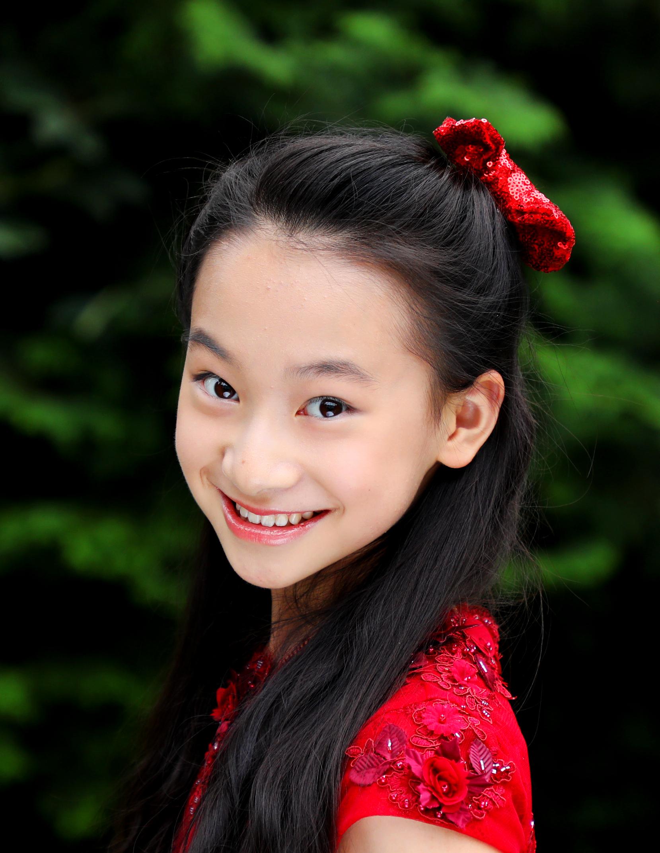 Harmony Zhu headshot WeBallet.JPG