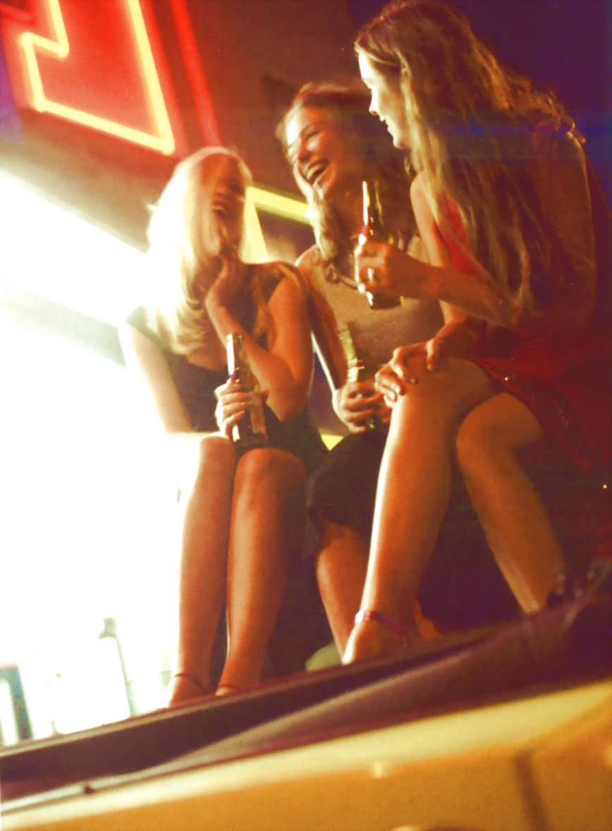 filles bière.jpg